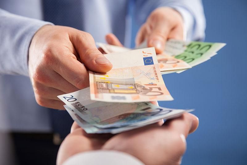 Bargeld Transaktion